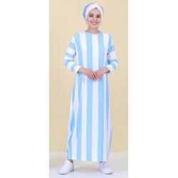 Robe à rayures bleues
