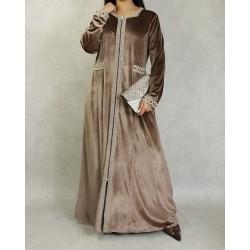Robe longue en velours...