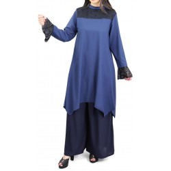 Loose tunic in navy blue...