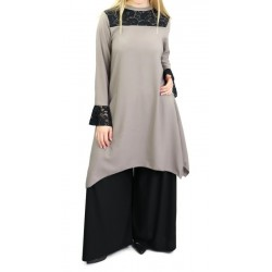 Loose tunic in taupe color...