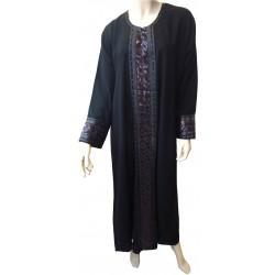 Discreet black abaya...