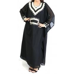 Long-sleeved oriental dress...