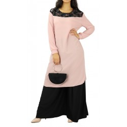 Mid-length tunic with lace...