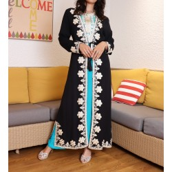 Long kimono with embroidery...